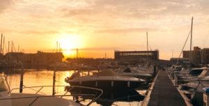 Coucher de soleil location de bateau au port de Carnon